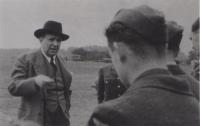 Jan Masaryk u československých letců v Anglii, 1940