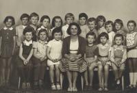 S pátou třídou dívčí, 1961