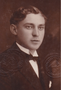Bohuslav Kořínek v době svých studií v Hradci Králové