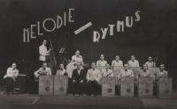 Orchestr Františka Uhlíře, Karel Štancl sedí druhý zleva