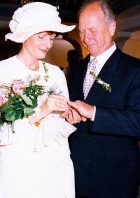 Svatba s druhou manželkou, 1996