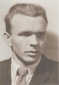 Jan Florian, otec pamětnice, roku 1943. Autorem fotografie Josef Sudek.