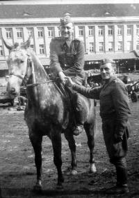 Otec Jaroslava Moravce Josef, konec 2. světové války
