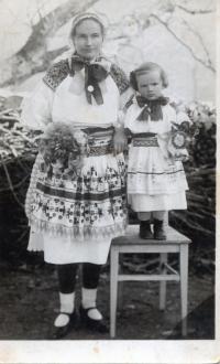 Eva Jankulíková, rod. Korbeľová, mama Albína Jankulíka