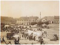 Trhy na náměstí v Mirovicích, 1920