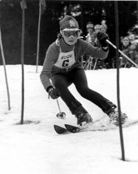 Olga Charvátová na závodech v roce 1974