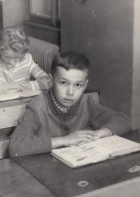 Pamětník v 2. nebo 3 třídě, Polička, cca 1962-63