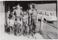Rodina na výletě, 1987