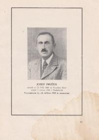 Dědeček pamětnice, fotografie z knihy, která byla věnována rodině