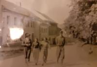 Eva (první zleva) na letní brigádě, Rožmberk - Vyšší Brod 1955