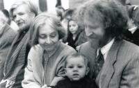 S manželem Michalem a adoptovaným synem, 2000