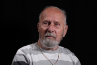 Fotografie z natáčení s Romanem Fraitem, pořízena v brněnském studiu, říjen 2020