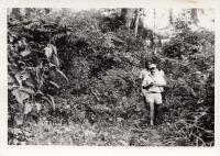 Očkovací skupina na cestě do vesnice, fotografie pamětníka, Kongo, 60. léta