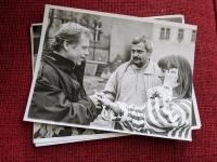 Zleva Václav Havel, Jan Foll a Bára Štěpánová; 1990