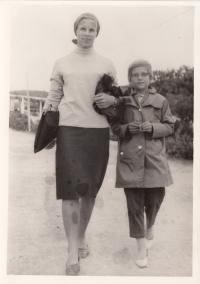 Věra Zikmundová s dcerou Vladimírou