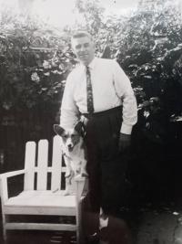 Otec Jakiv v Austrálii