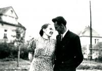 Rodiče Anny Röschové krátce po svatbě