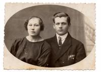 Rodiče Mariia a Antin Zaverukhovi, třicátá léta minulého století