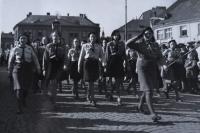 Fotografie z přehlídky 28.10.1945