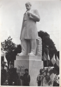 Unveiling of a monument to Taras Shevchenko in the village of Demnya in the Lviv region, 1990. The sculptor is Petro Dzyndra