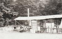 Tábor 233. oddílu ve Šluknově, jídelna a kuchyň, rok 1969