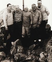 Skupina skautů ze 34. střediska Ostříž při výstupu na Gerlachovský štít, rok 1995