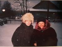 Marija Dmytrivna Vološyna vpravo