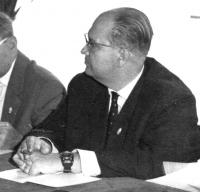 Dr. Běhal na zasedání, 1963