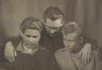 50. léta, pamětník uprostřed