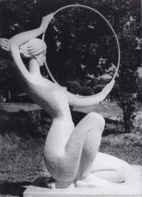 """Sculpture """"Sport"""", 1976. The sculptor is Petro Dzyndra"""