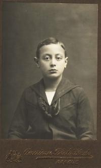 Dobový portrét tatínka Alfréda Pokorného kolem roku 1916