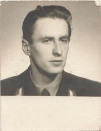 První manžel Lubor Judl (* 1931)