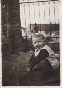 Eva Hoskovcová, Břehy u Přelouče, cca 1934
