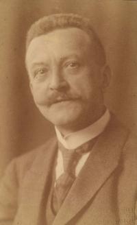 Josef Obrhel kolem roku 1915. Kateřinin dědeček z maminčiny strany rodiny