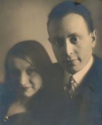 Alfréd a Ludmila Pokorní. Kateřinini rodiče v polovině 20. let