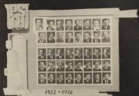 Na stření škole (50. léta)_spodní řada uprostřed
