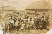 Pohřeb v české vesnici Hušť na Volyni v roce 1934