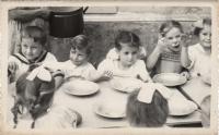 Malý Imrich v škôlke v júni 1950