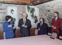 Podpis kontraktu na rekonstrukci jednoho z reaktorů JE Dukovany, Dalibor Matějů je přítomen jako člen představenstva společnosti ČEZ, 1994