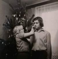 Lumír Aschenbrenner s maminkou o Vánocích roku 1975