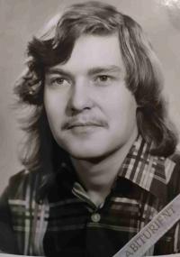 Fotografie Lumíra Aschenbrennera z gymnaziálního tabla v roce 1979