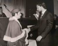 Lumír Aschenbrenner na své promoci v roce 1985