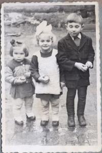 Bohdana, Oleksandra a Andrij Cehelští