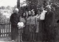 Sereda family (from left to right): father Mykola Sereda, son Volodymyr Sereda, mother - Mariya Sereda; not specified; not specified; wife of Volodymyr Sereda; cousin (Baykivtsi village, Ternopil region, about 1970s).