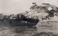 Fotografie amerického člunu, kterou pořídili českoslovenští vojáci na mírové misi v Koreji