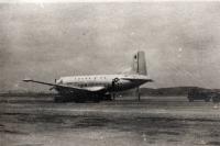 Fotografie amerického letadla, kterou pořídili českoslovenští vojáci na mírové misi v Koreji