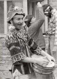 Hippie mejdan, Ladislav Hlavatý v popředí, 80. léta