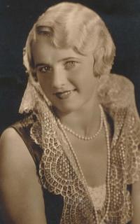 Matka Helena v 30. letech