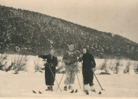 Na lyžích (20. léta)