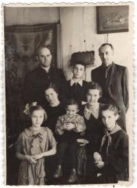 Children of Fr. Artemiy - Andriy (teacher of anatomy at Lviv Medical University), Petrus (now maestro of the 1st violin of the Warsaw Philharmonic), Oleksandra (member of the Union of Artists, public figure), Bohdana (pharmacist, mother of Oleg Tyagnybok).